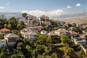 Aluguel de carros em Gjirokaster, Albânia